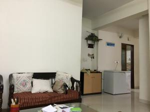1500 sqft flat 4 bedroom for family/ bachelor at bashundhara r/a